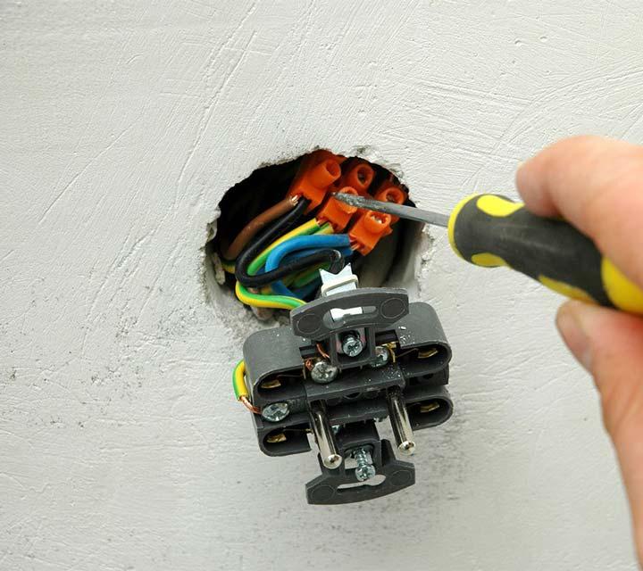 клеммная колодка в подрозетнике как соединить провода