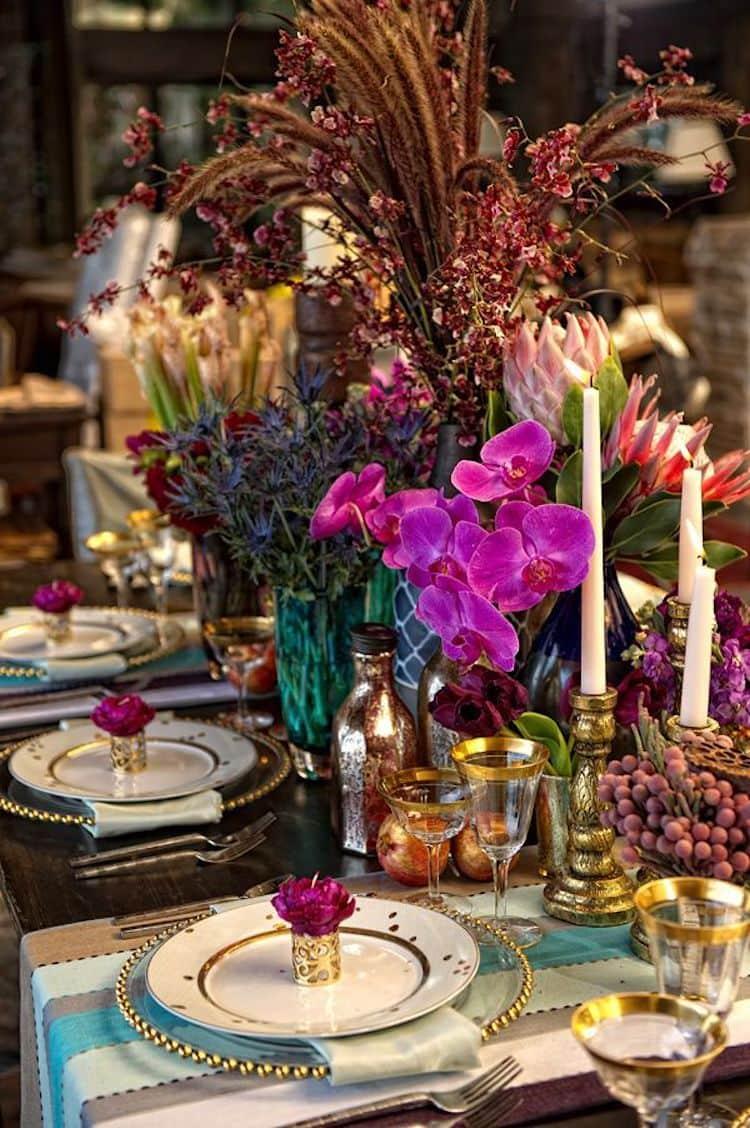 Divatos színek eklektikus stílusú, gondosan kiválasztott vágási tárgyakkal