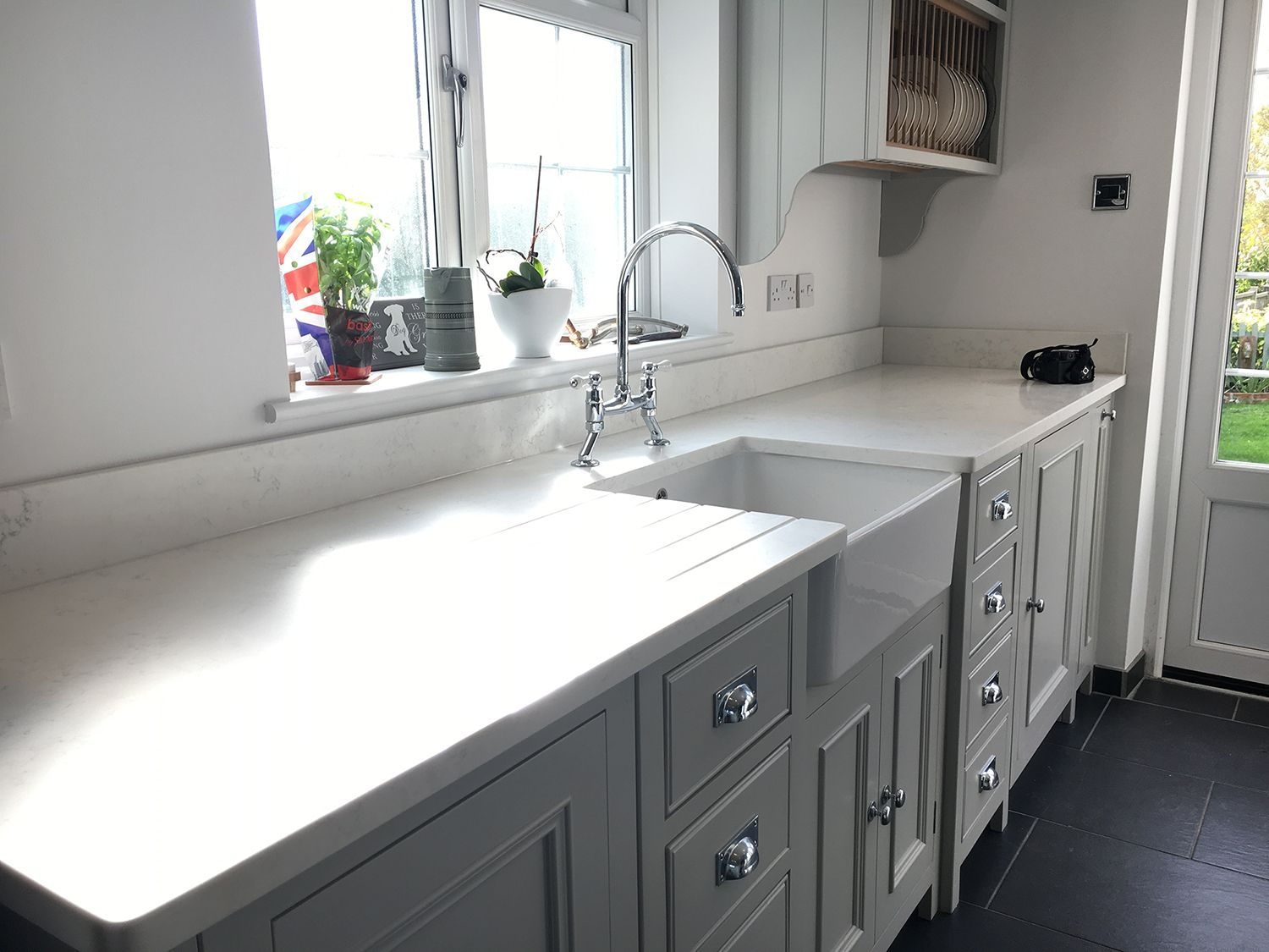 White Quartz Kitchen Worktops
