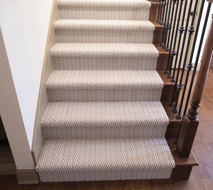Carpet Stair Runner Carpet Runner Stair Runner   Carpet Up Middle Of Stairs
