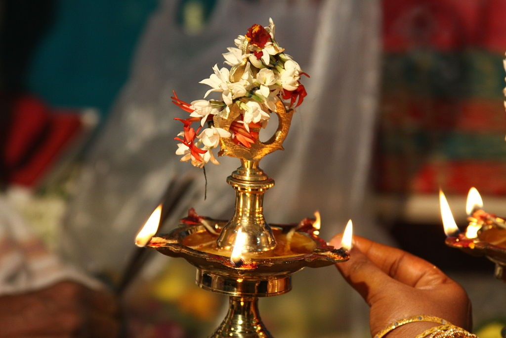 Diwali Ki Tyaari 5 Easy Ways To Light Up Your Home At Diwali