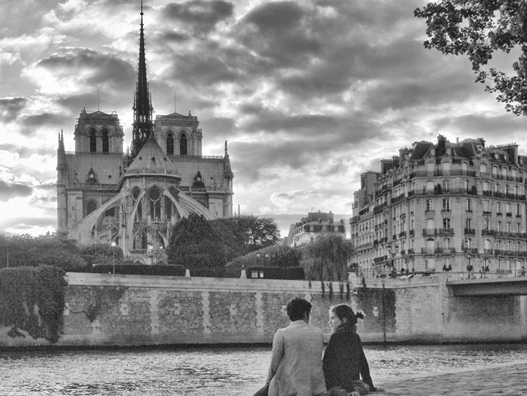 notre dame desde shakespeare and company