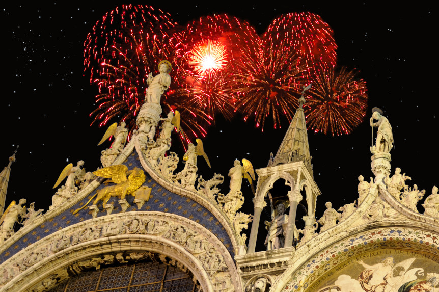 Piazzas and Prosecco  Celebrating New Year s Eve in Italy   Dream of     Piazzas and Prosecco  Celebrating New Year s Eve in Italy   Dream of Italy