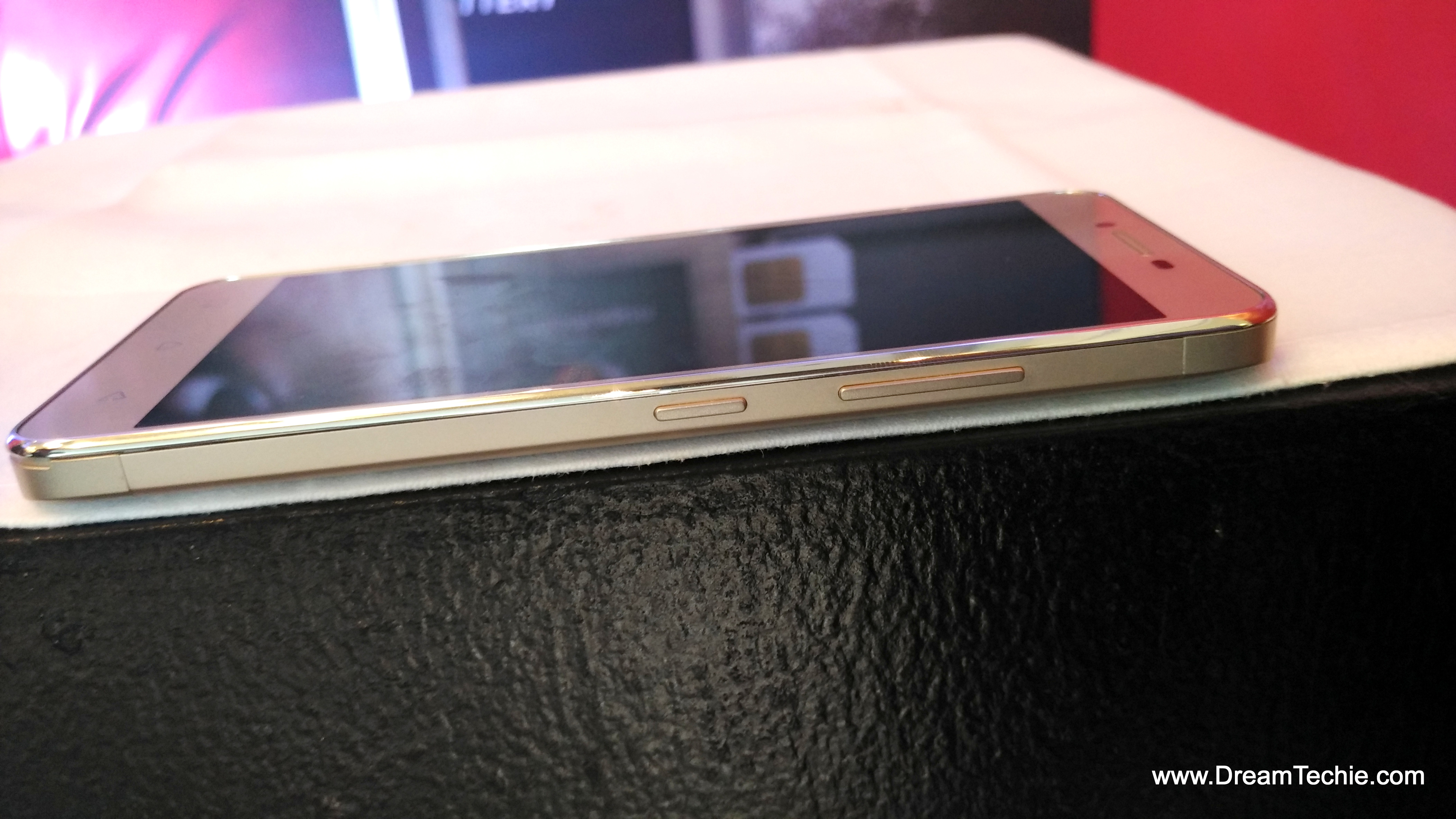 Lenovo Vibe K5 Plus Champagne Gold Color Pics & Review