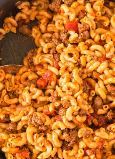 An overhead close up picture of American Goulash.
