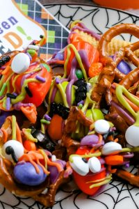 An overhead zoom picture of the finished snack mix on a plate.