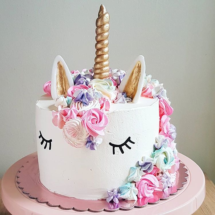 10 Prettiest Cakes That Should Try Joining Miss Singapore