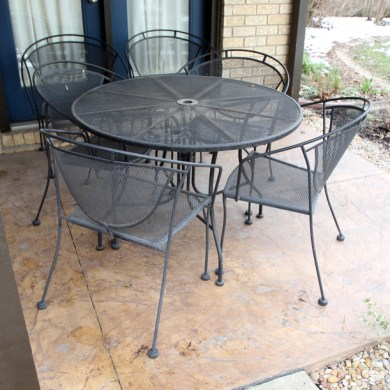 Metal Patio Table and Chairs   EBTH Metal Patio Table and Chairs