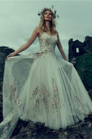 Checking out BHLDN s beautiful new arrivals      Effortlessly With Roxy Believe