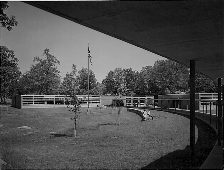 Edgemont Jr Sr High School