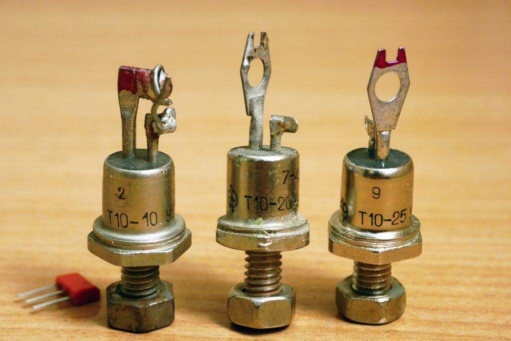 Diferite tipuri de diode.