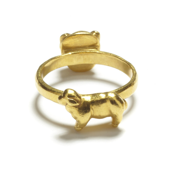 yellow gold lion and lamb ring
