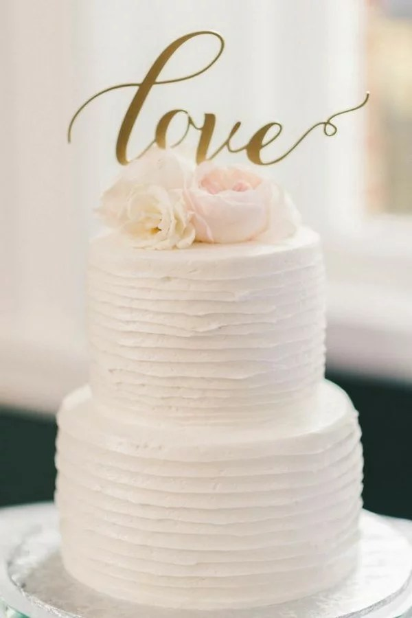 15 Simple but Elegant Wedding Cakes for 2018   EmmaLovesWeddings simple wedding cake with calligraphy topper