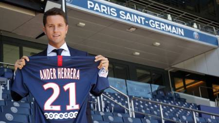 Official: Ander Herrera Joins PSG From Manchester United - AS.com