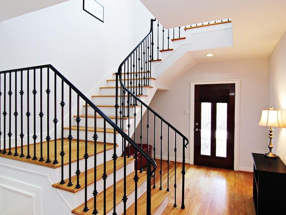 Stair Design Models For Minimalist Home Engineering Feed   Simple Stairs Design For Small House