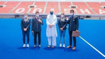 Odisha CM felicitates Tokyo-returned hockey players, offers cash awards