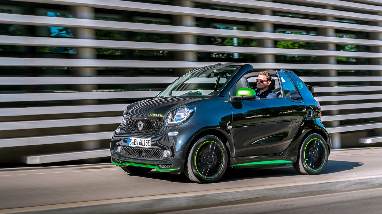 Smart Eq Fortwo Cabrio 2018 2019 Price And Specifications Ev Database