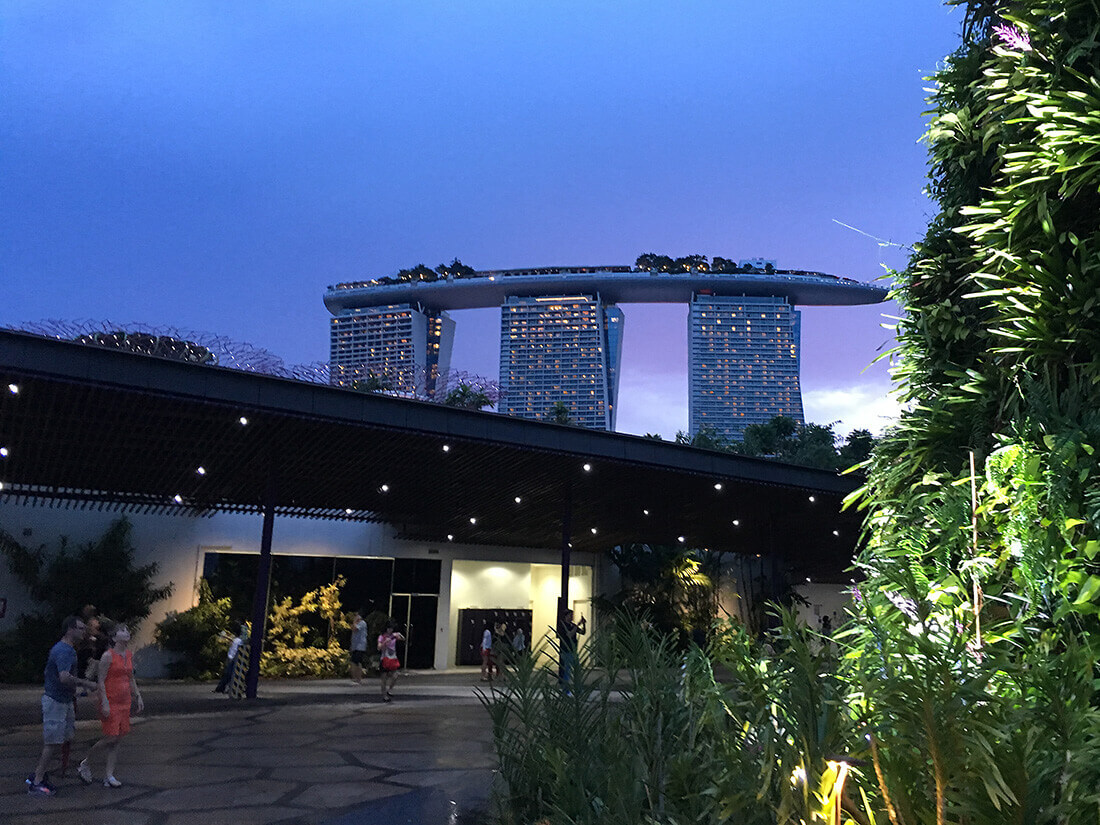 Udsigt til Mariana Sands fra Gardens by the Bay - Singapore
