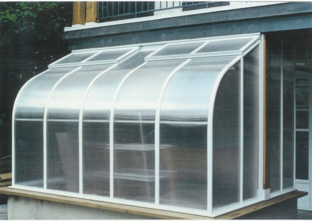 Home Attached Curved Polycarbonate