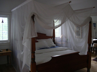 Easy Options To Make Your Own Canopy Bed Everythinginteriors