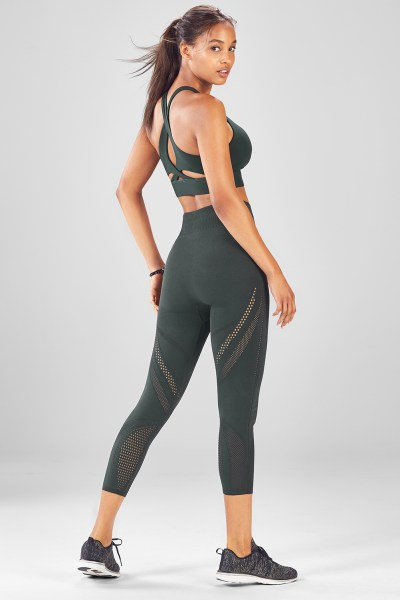 Gym Clothes   Fitness Clothing   Activewear   Fabletics Outfit 2