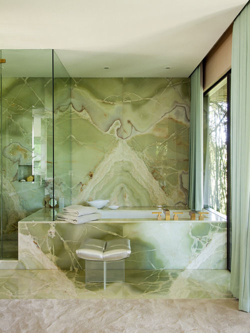 bathroominterior MarmolRadzinerArchitects MarmolRadziner bathroom bathroominspiration bathroomideas onyx glamour green StevenMeiselhome StevenMeisel homedesign homedecorating homedecor homeinterior homeinspiration homeinteriorideas
