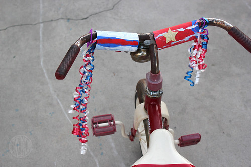 Patriotic Parade Streamers for Your Bicycles   Scooters   Alpha Mom old glory