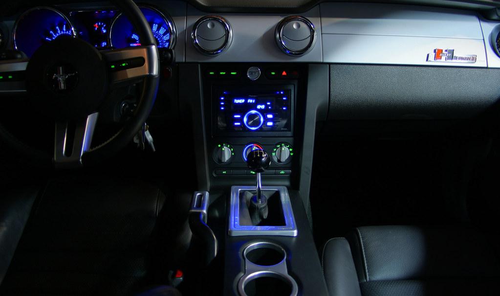 2014 Mustang Radio Shaker