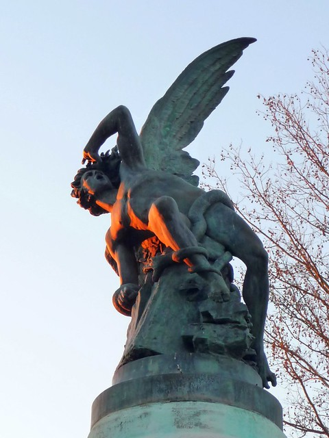 Fallen Angel Statue Retiro Park Madrid Flickr Photo