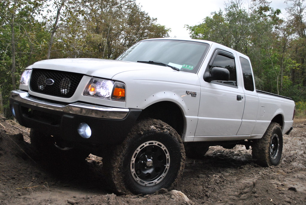 03 Lifted 32s Ranger Ford