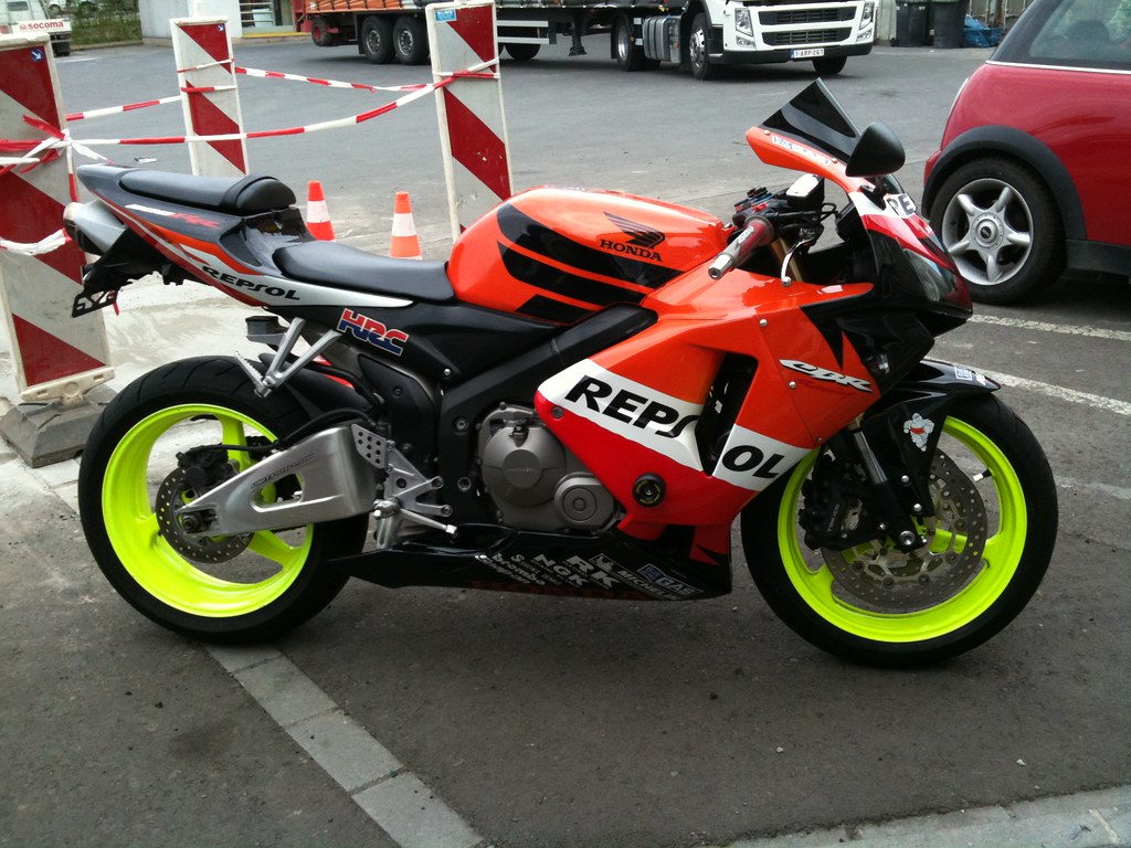 06 Gsxr Black And Yellow