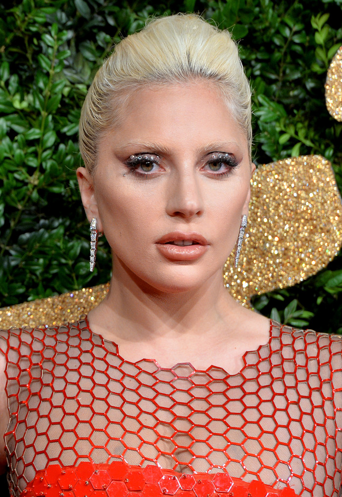 Lady-Gaga-Beauty-Looks-You-Can-Totally-Pull-off-glitter-makeup