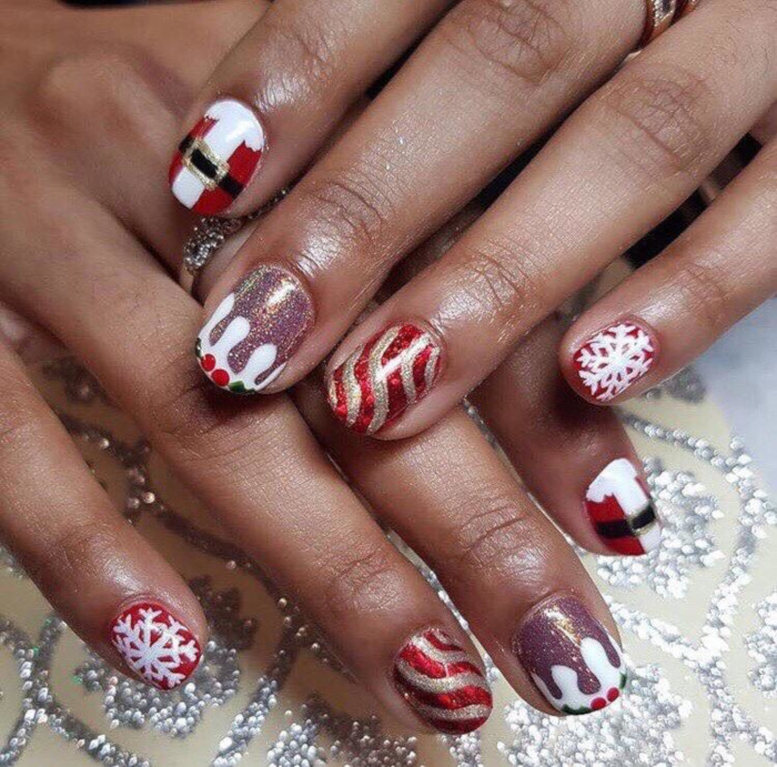 16-Festive-Nail-Art-Ideas-To-Copy-santa-claus-nails