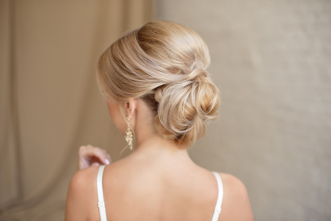 12-Best-Hairstyles-for-a-Student-Party-chignon
