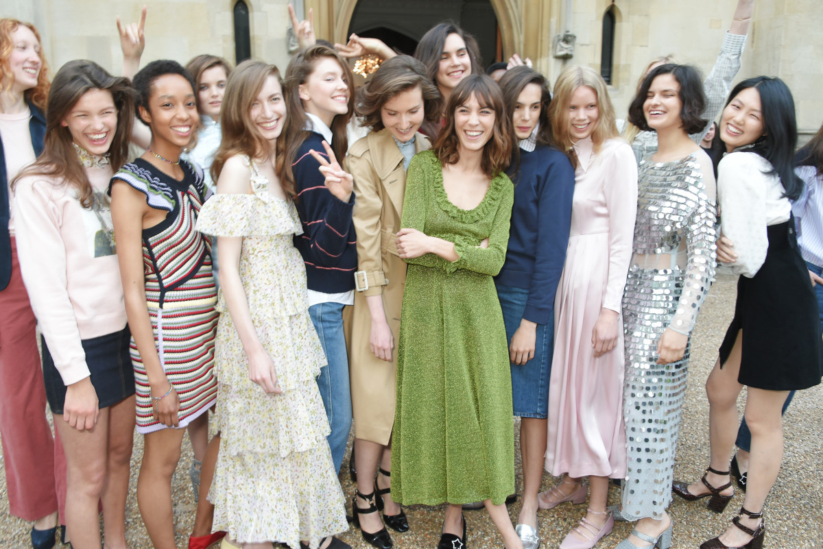 Alexa Chung S Fashion Line To Make Its London Fashion Week