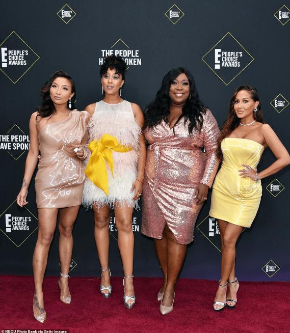 2019 People's Choice Awards Redcarpet - Fashionsizzle