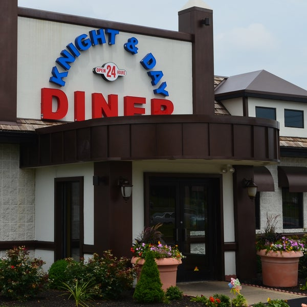 knight and day diner - 600×600