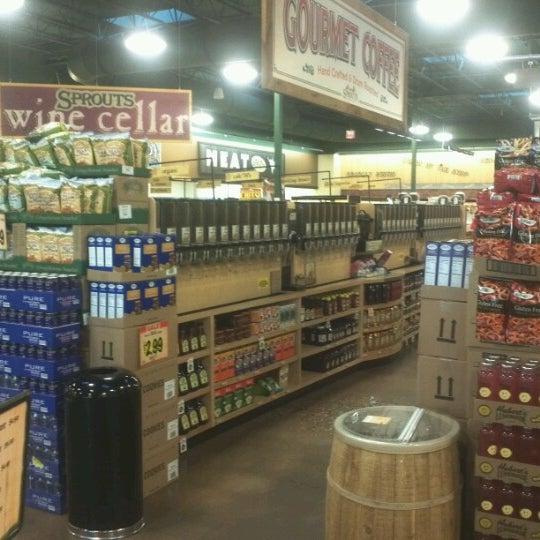 Farmers Market Grocery Store