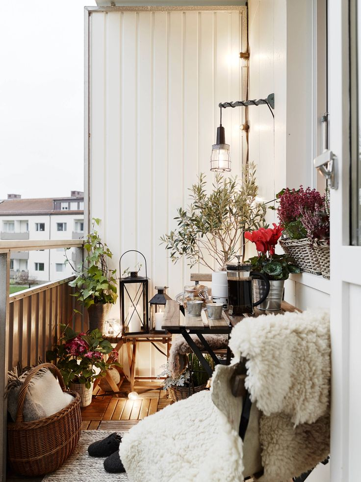 Cosy Winter Balcony Ideas