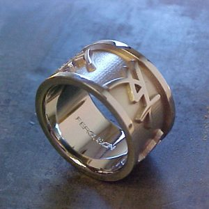 custom white gold wedding band with chinese characters