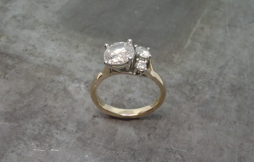 offset wedding ring