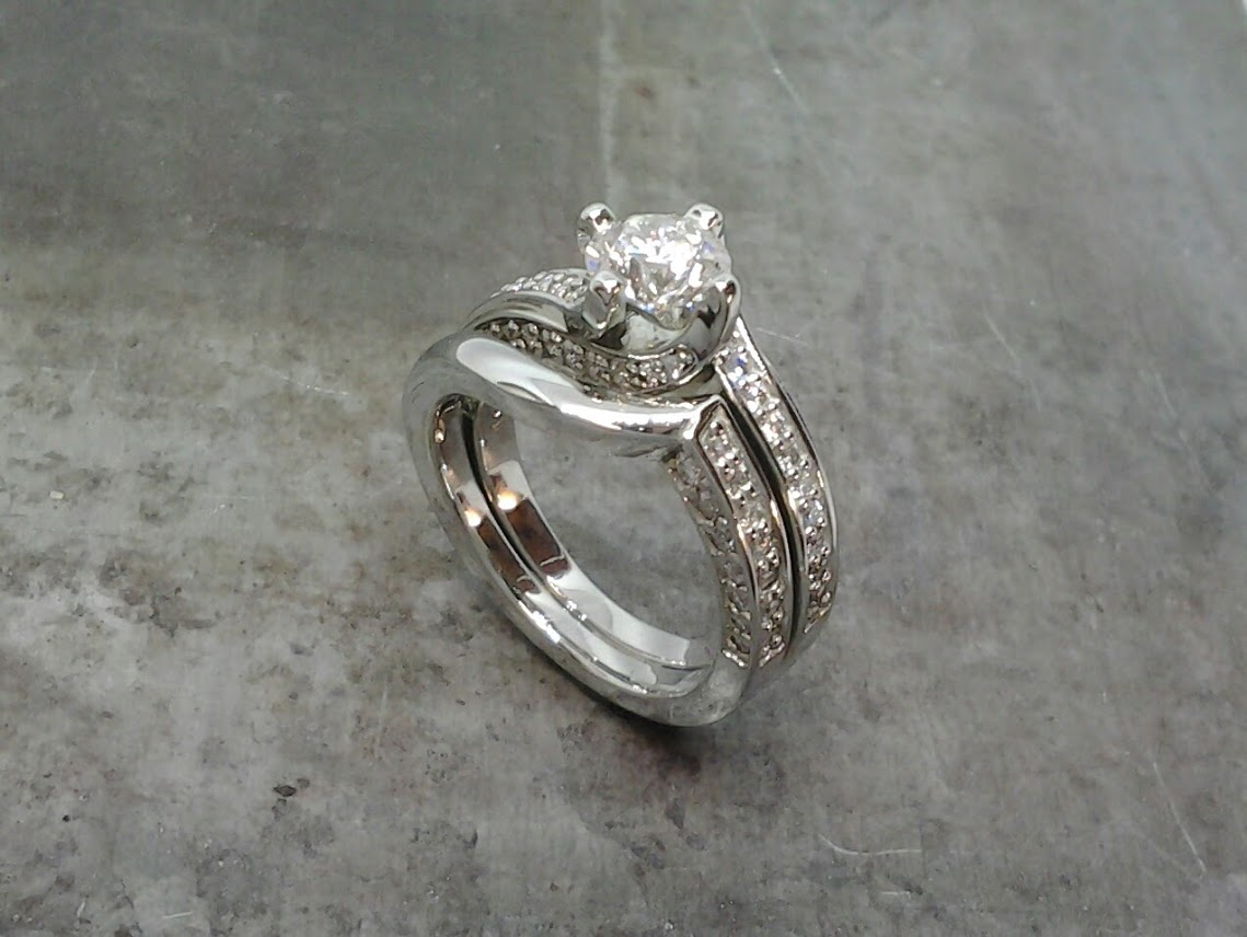 19k diamond wedding set
