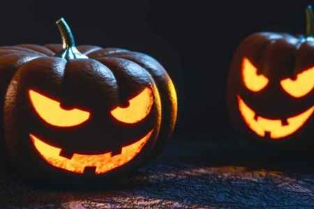 top scary halloween games that you would have to be crazy to play ghost games diy spooky halloween lights hative easy diy halloween luminaries haunted house