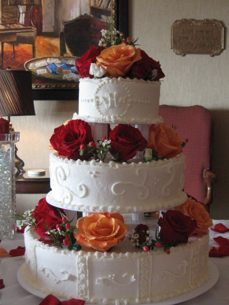 Knoxville  TN Caterer  Catering Specialist Knoxville  TN   First     Autumn Vanillabean Knoxville  TN Wedding Cake with Columns