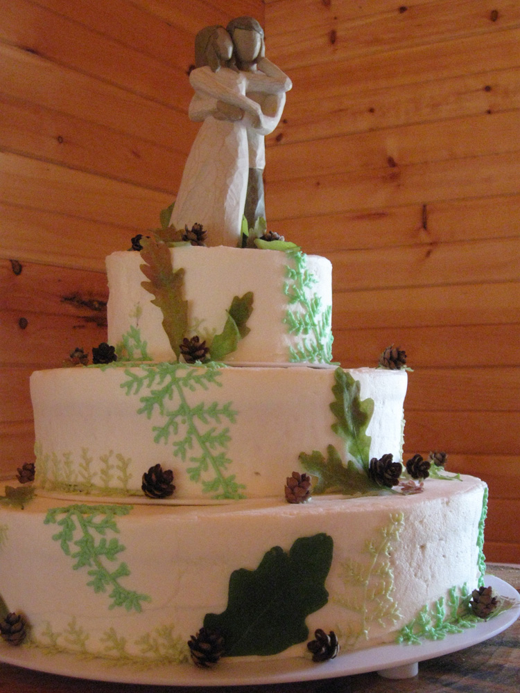 Knoxville  TN Caterer  Catering Specialist Knoxville  TN   First     Rustic Fern Vanillabean Knoxville  TN Wedding Cake with willow topper