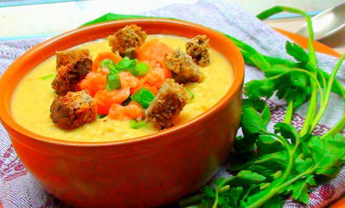 Σούπα φακών και σολομού