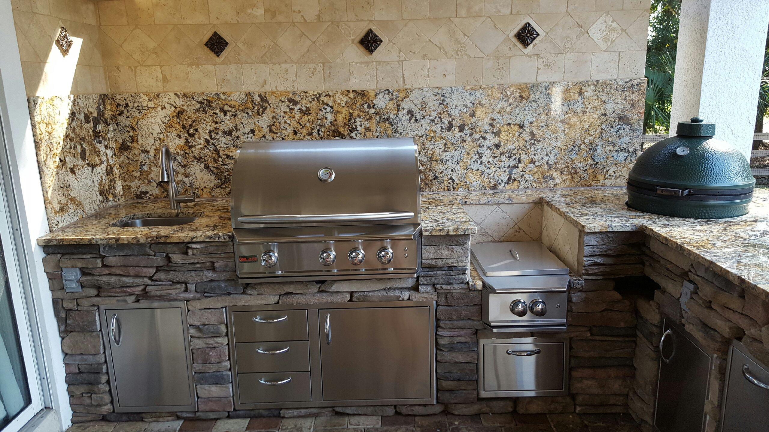 Creative Outdoor Kitchens Backsplash Creative Outdoor