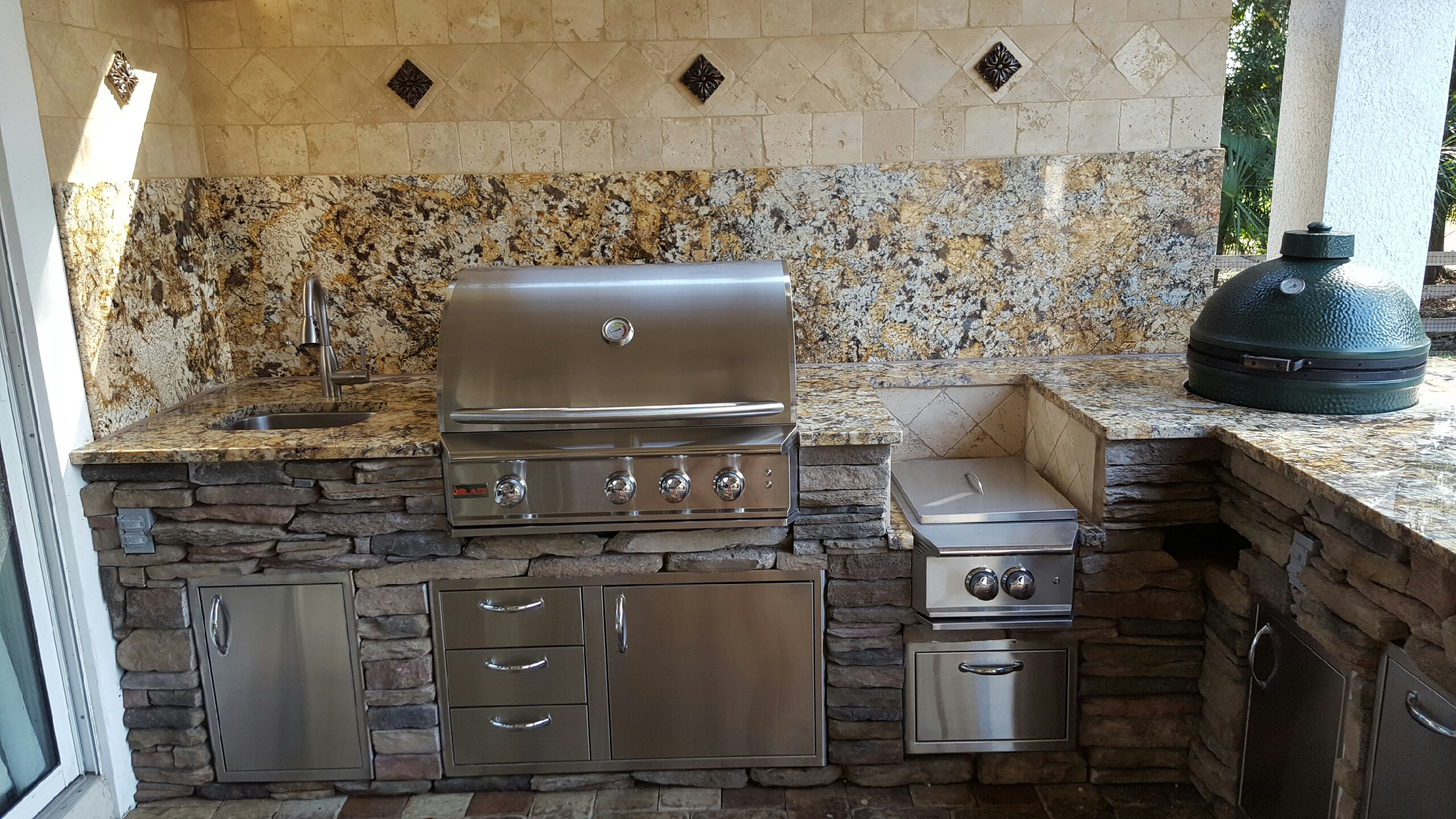 Big Green Egg Creative Outdoor Kitchens Of Florida