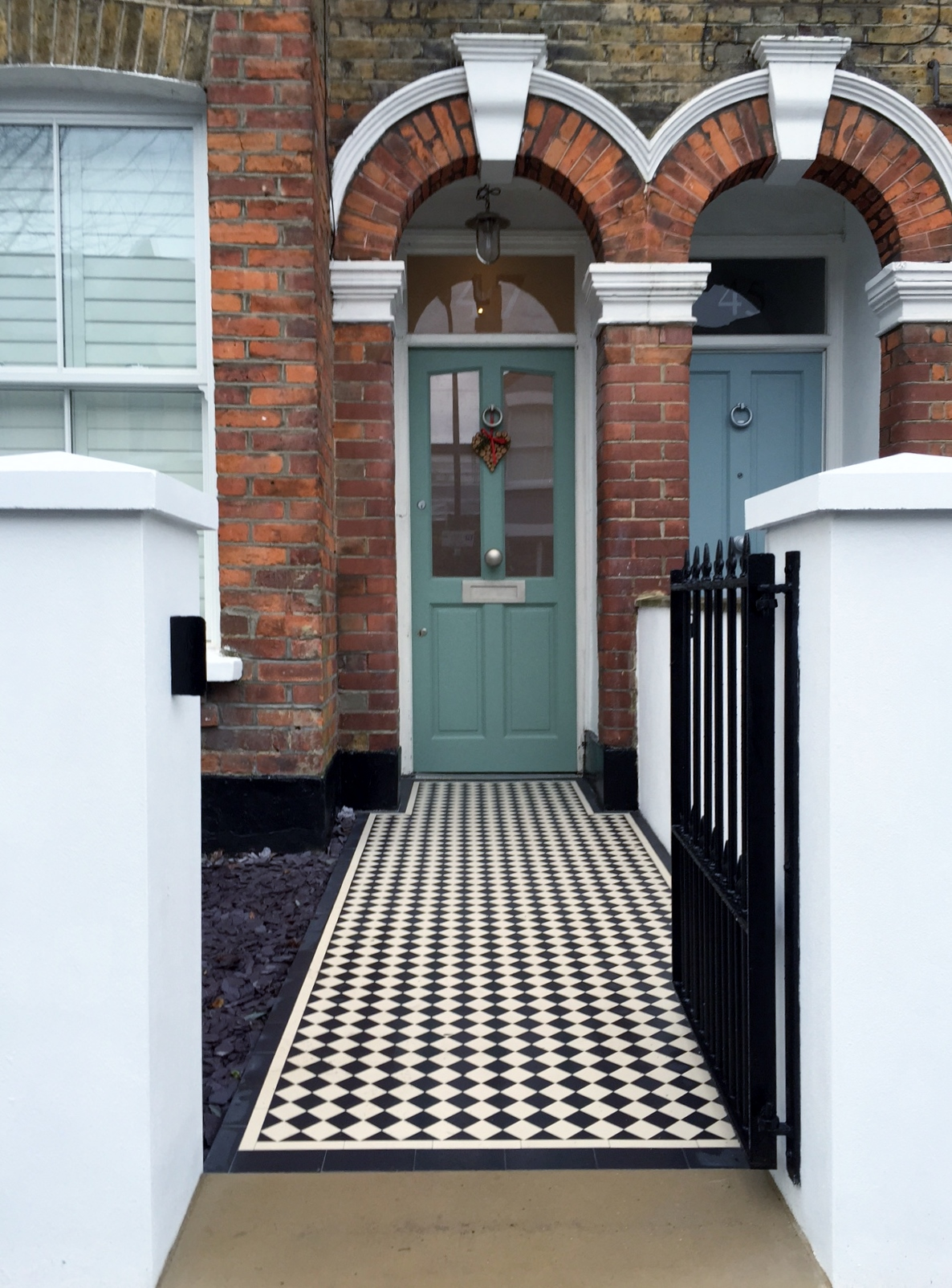 Victorian Front Garden Company Walls Rails Black And White
