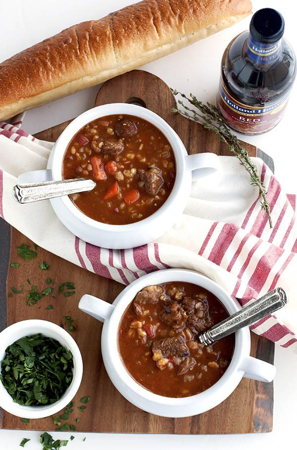 This Slow Cooker Beef and Barley Soup is an easy slow cooker meal that is packed with flavor and meaty goodness. It's just the soup recipe to make when temperatures drop. via @foodfolksandfun